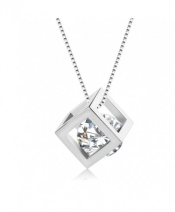 Fashion Jewelry Embedded Pendant Necklace in Women's Jewelry Sets