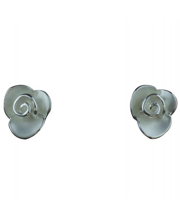 Takobia Women's Small Flower shape Post Earrings - CG11Q1SU3ZJ
