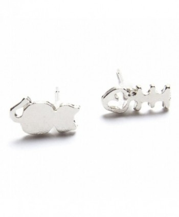 18k White Gold Plated CAT and Fish Bone Stud Earring [Jewelry] - CT11YK08KEB